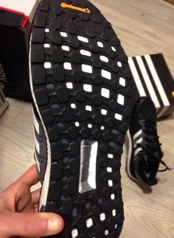 chaussure adidas semelle continental