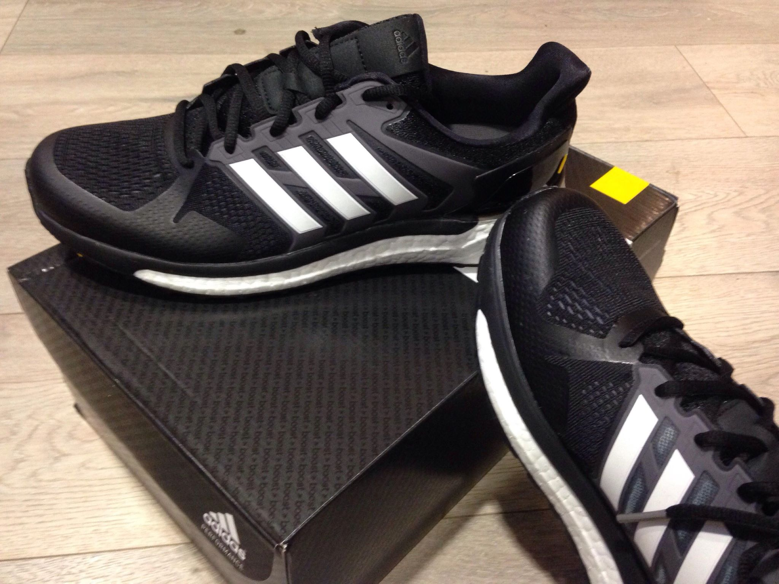 finest selection 16eae 8ffc3 ... de chaussures qui nous sont présentées chaque saison par la marque au 3  bandes, certaines font clairement parti des plus abouties du marché et  valent le ...